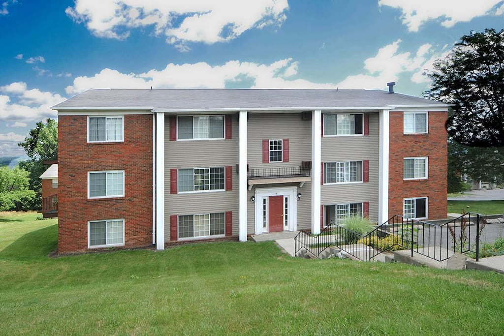 1br apt in beautiful complex flats for rent in ithaca new york united states for Ithaca college garden apartments