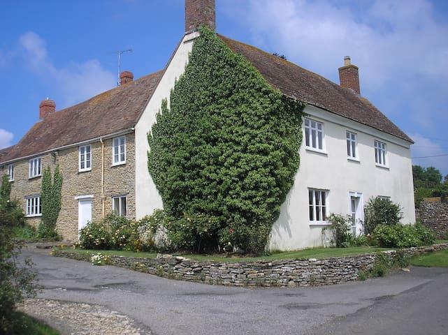 Ryalls Stud Farmhouse Dorset DT95NG - Bishops Caundle - Bed & Breakfast