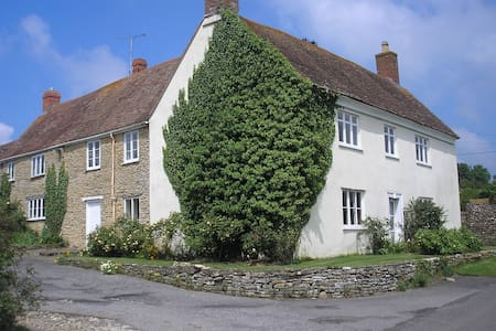 Ryalls Stud Farmhouse Dorset DT95NG - Bishops Caundle - Bed & Breakfast