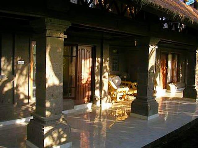 Ubud Tranquil Rice Field Floor in Bali Hai Villa