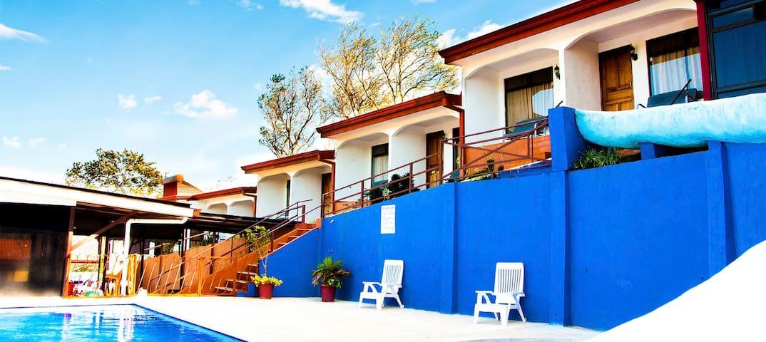 Hotel Cielo Azul Resort - Tilaran - Bed & Breakfast