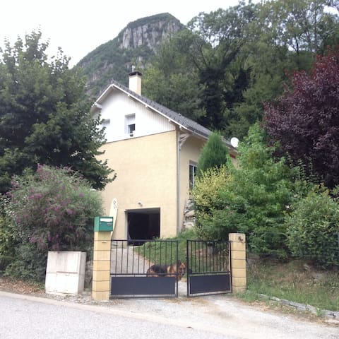 Maison Individuelle avec Jardin - Épierre