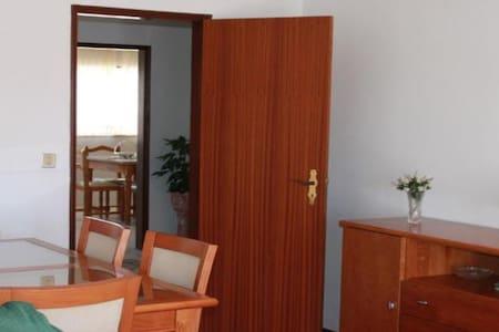 2-Bedroom Apartment near Nazaré Leiria and Fátima - Pataias - Huoneisto