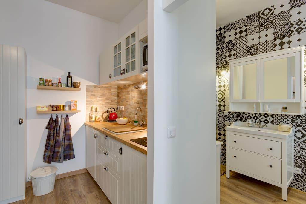 Kitchen / En-suite bedroom