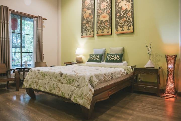 清迈巧荷民宿(绿色大床房)ThaiQoHo Guesthouse