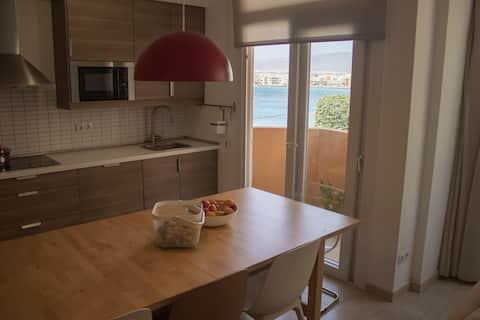 Вид на море, красиво оформленная и уютная квартира