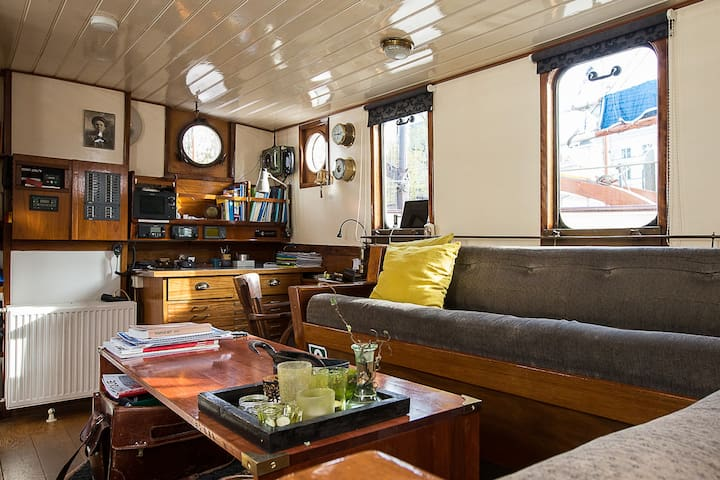 B&B on a boat during Sail 2015 - Amsterdam - Bed & Breakfast