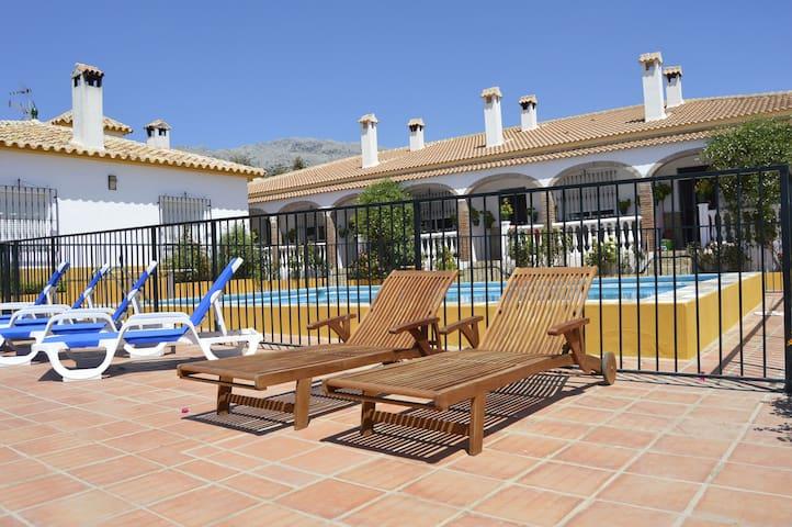 Casa Anabel Pequeña - Riogordo - Huis