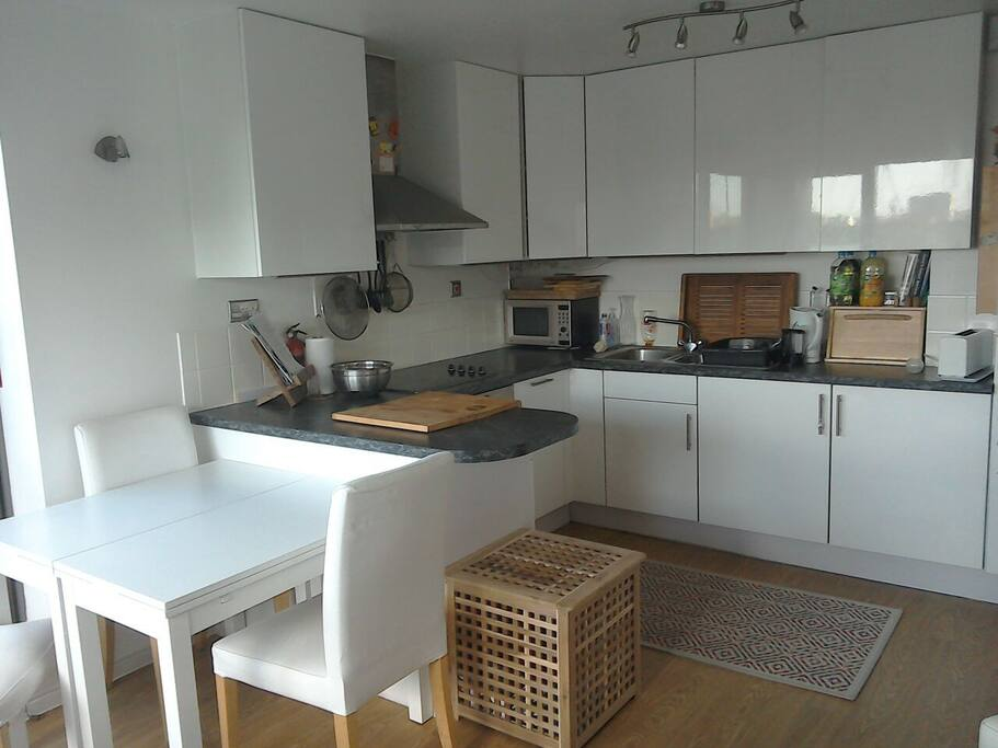 Comfortable kitchen overlooking Burgess Park