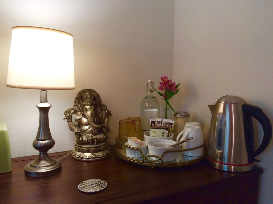 Filtered water & Tea/Coffee set.