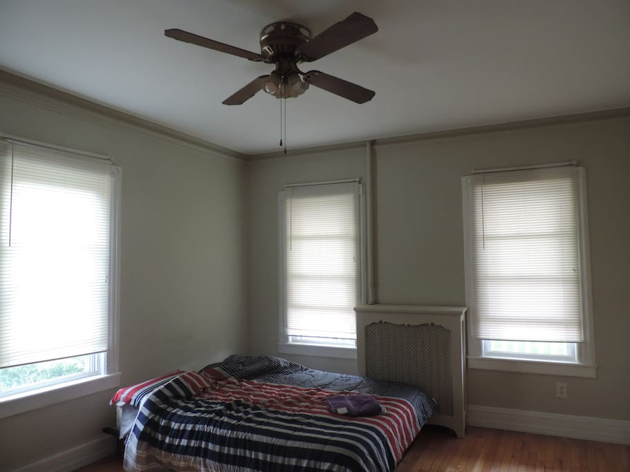 Updted: Window blinds were installed. Reminder: NO AC, it is mentioned in the amenities section that there is no AC but here is a short sweet reminder.