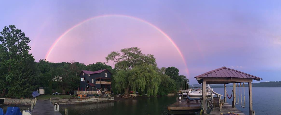 Awesome House on Cayuga Lake!