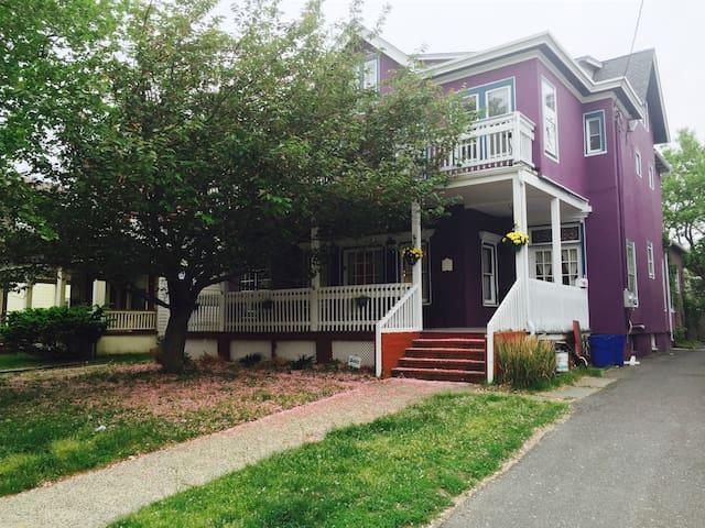 2 floors Purple Huge Block to beach - Asbury Park - Byt
