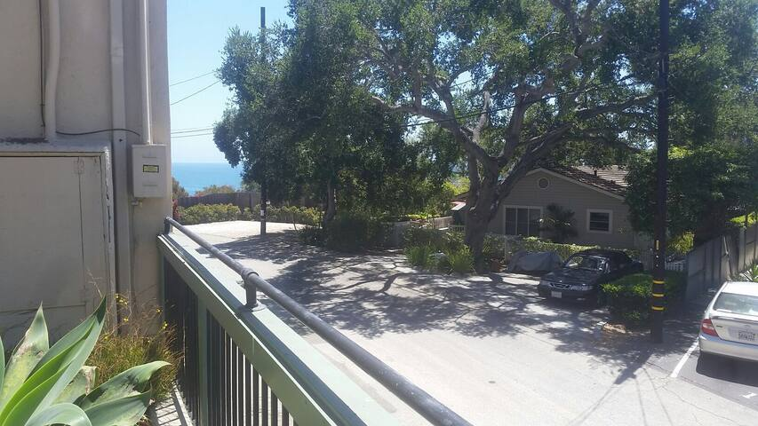 Cozy little getaway at beach - Summerland - Apartmen