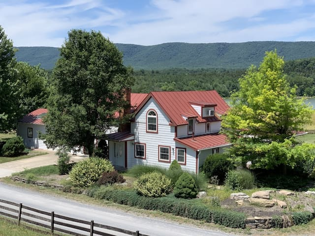 Stunning Historic Shenandoah Retreat