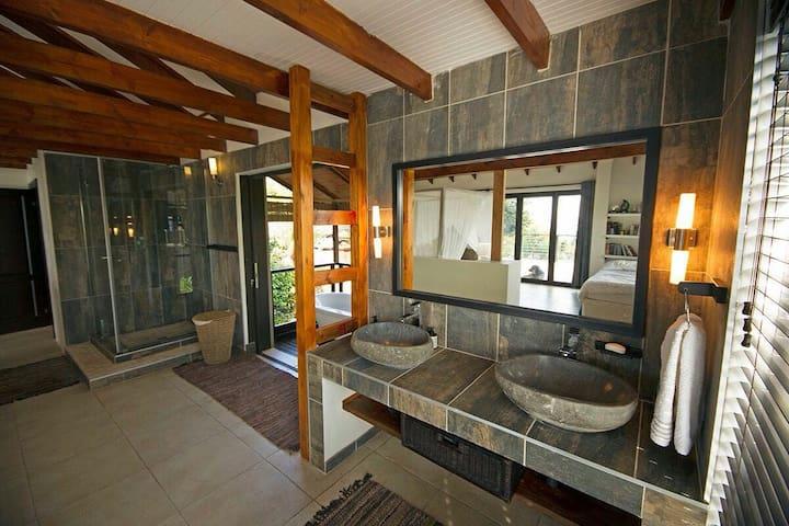 Casa Bali Main House - Westbrook - House