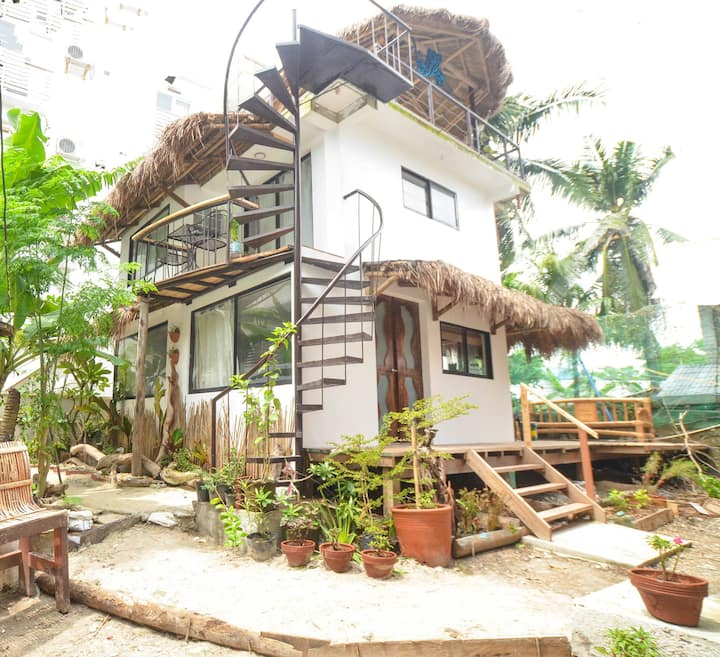 Studio Apartment + roof deck @ niu ohana hotel