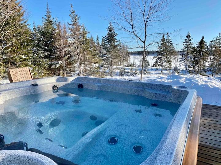 Upscale Lake Cottage Falcon-Outdoor Hot Tub/Sauna