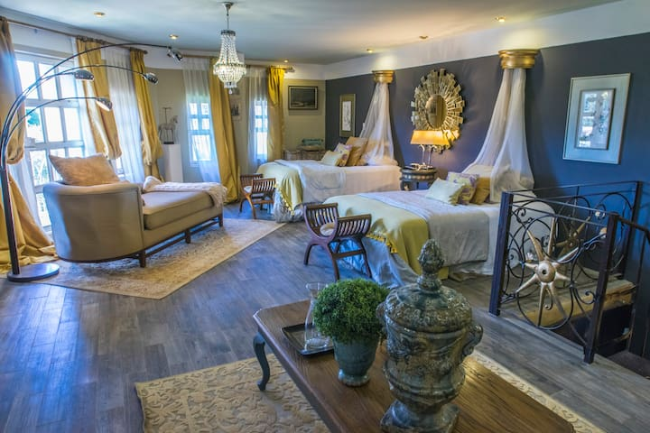 Madonna Exclusive Suite near Antigua Guatemala