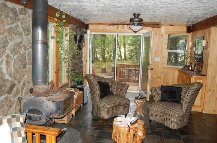 Fort Littlejohn - April Special $100 per night - Rhododendron - Rumah