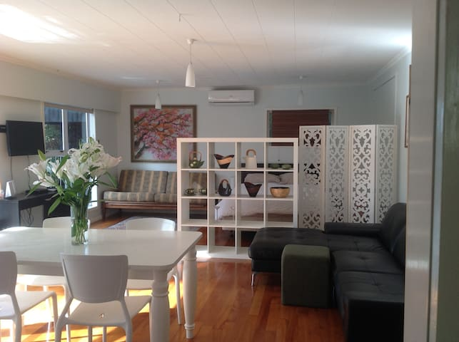 Titirangi Seaside Apartment - Waitakere - Apartment