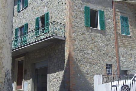Italian Cultural Immersion - Pozzo di Gualdo Cattaneo