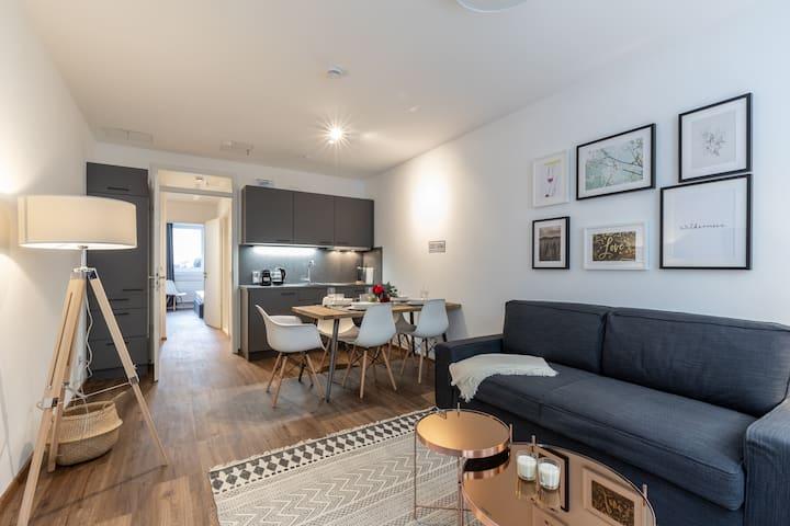 Modern 2-Bedroom Apartment in City Center - Freya