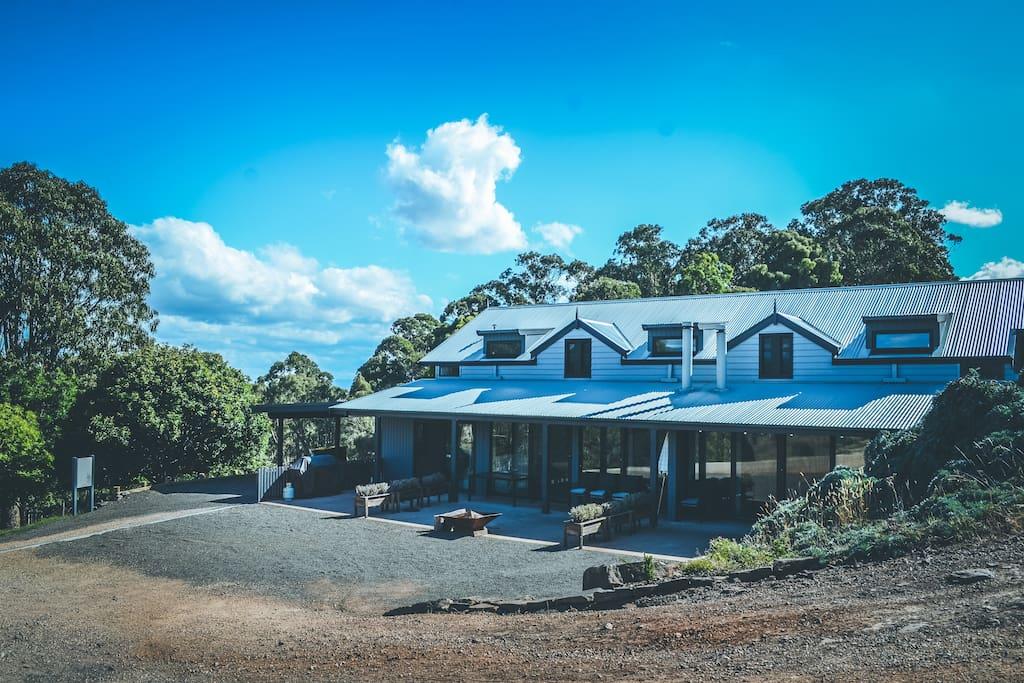 Titania Lodge