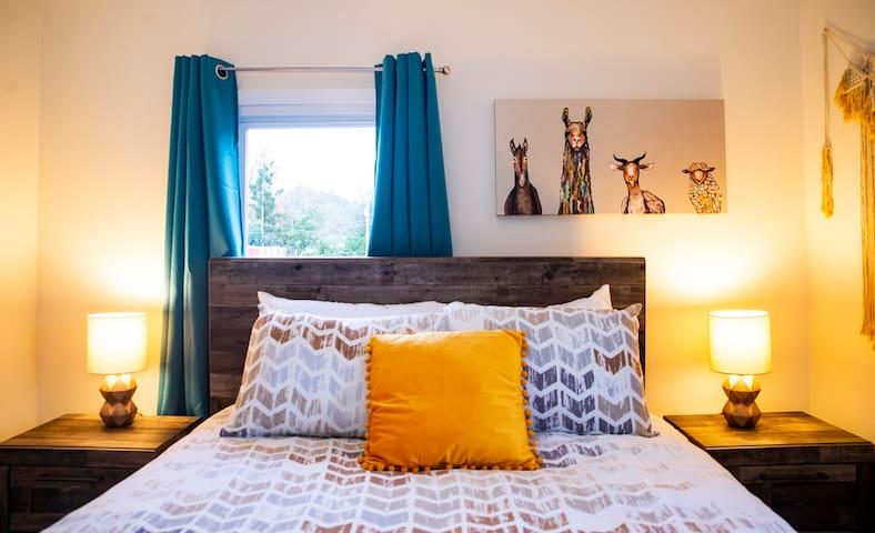 Second floor Queen Llama Bedroom