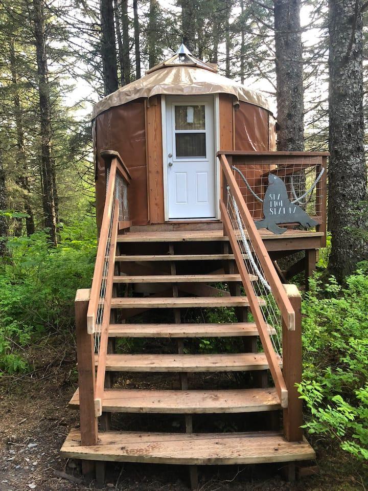 Alaskan Yurt in Fairy Tale Forest-Sea Lion Shanty