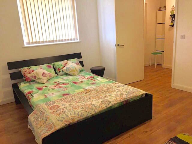 Great Double Room in North london
