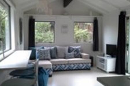 Bethells Beach Retreat - Cabin
