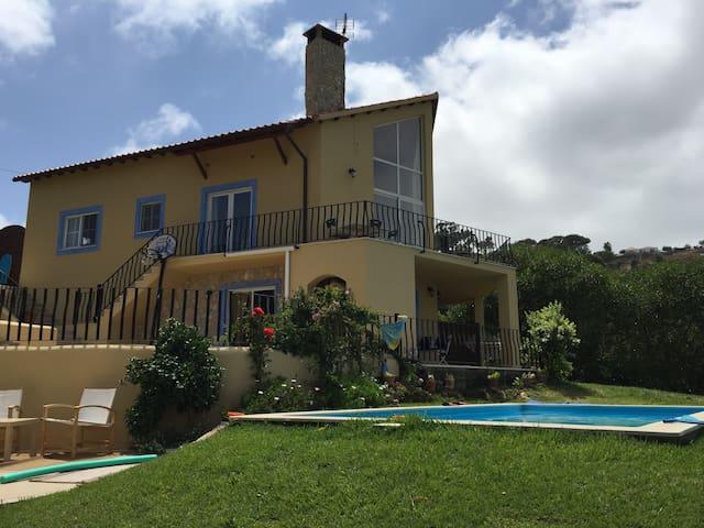 Beautifull House with Pool  - Safarujo - Huis