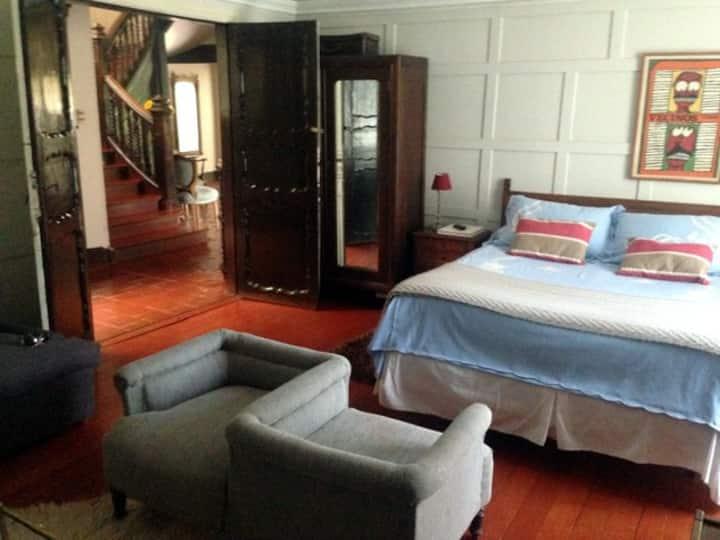 Hermosa habitación en Casona Española