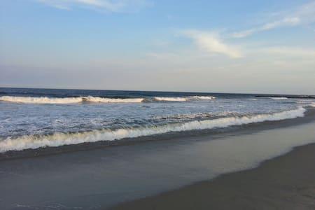 Serene Autumn Sea Girt Beach Oasis - Appartamento