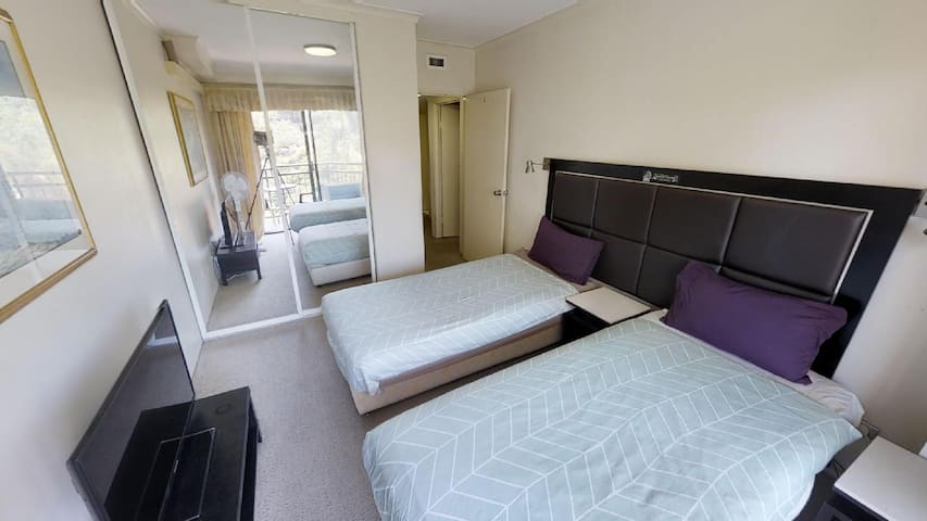 AVAILABLE NOW - A STUNNING TWIN SHARE ROOM