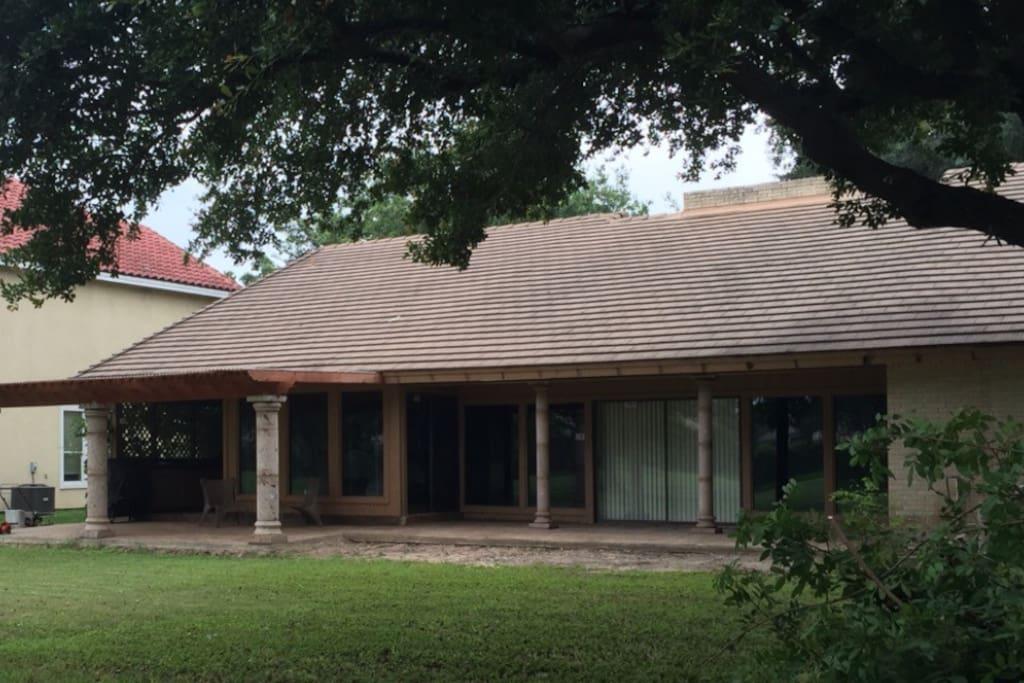 terraza con asador y cocineta exterior
