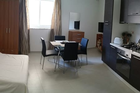 41. ZBG1. Studio Apt in the center of Zebbug! - Haz-Zebbug