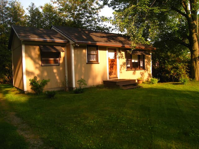 Beach Cottage Lake Erie Turkey Pt. - Norfolk - Kabin
