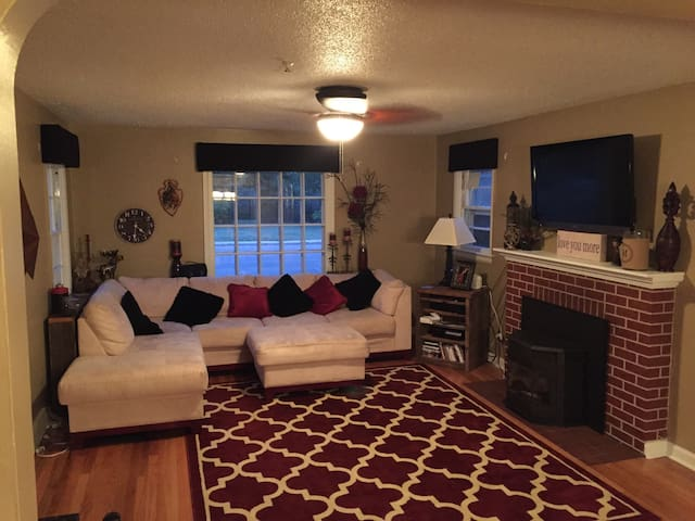 Clean, Updated Home in the Avenues - Cheyenne - Huis