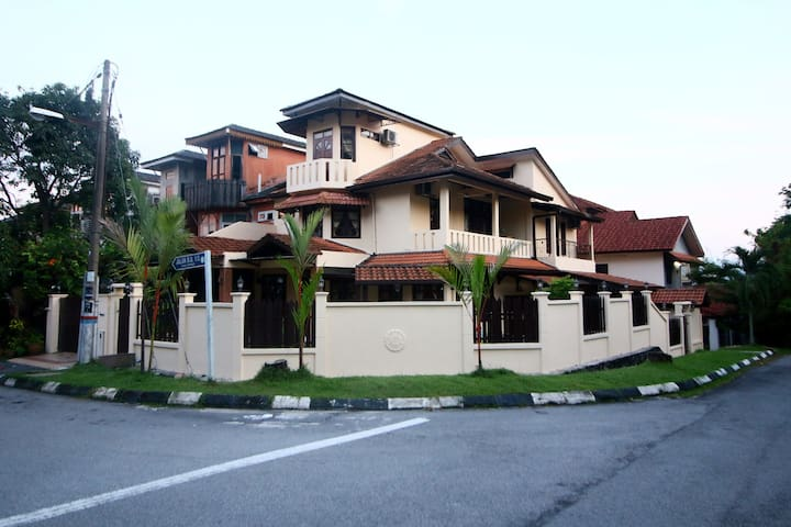 House on hill for gatherings @ Ampang!