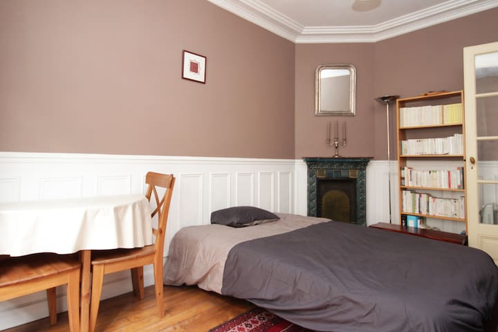 The bedroom, that can be yours soon! (an airbed can be also be put in the room for the second or third person).