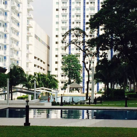 1 bedroom condo with balcony + wifi - Quezon City - Condominium