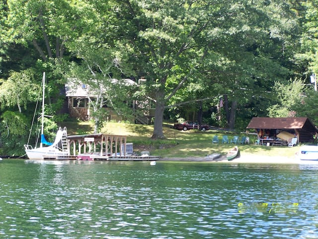 Beach, dock, lovely cove, warm clear water - Lake George - Ev