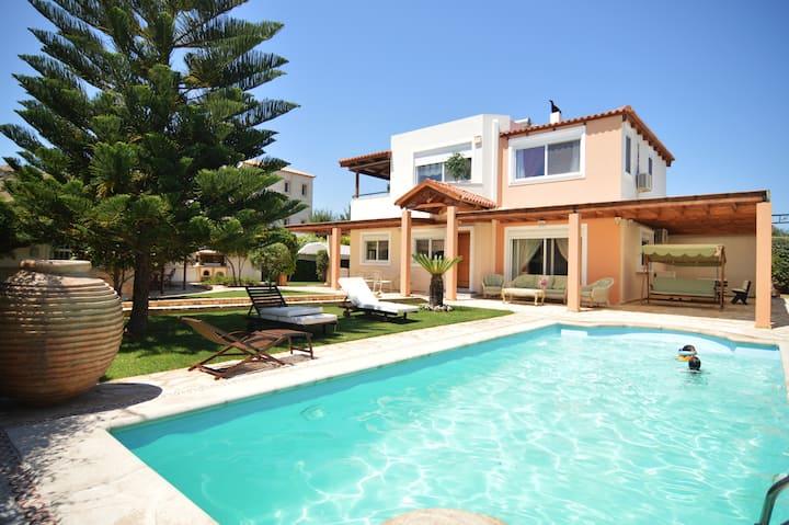 Modern Villa in Lagonissi (w/ pool)