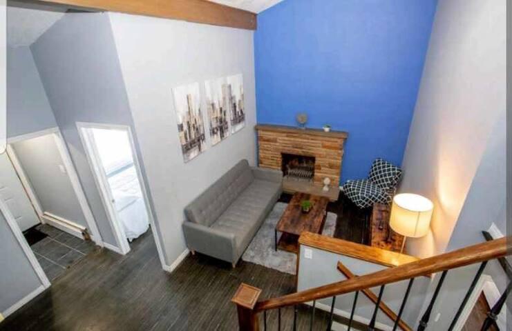 5 bedroom triplex w/ backyard(50min to Grand Bend)