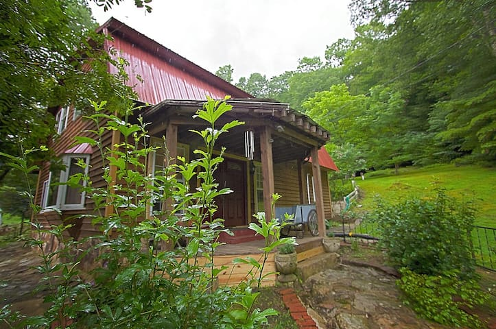 4 Bedroom Retreat near Hacker Valley, WV