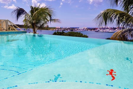 Luxury Villa with Oceanview & Pool - Willemstad