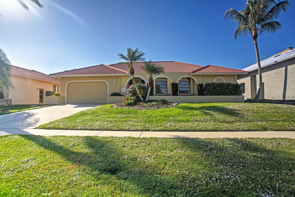 This well-appointed home has everything you need for an incredible Marco Island vacation.