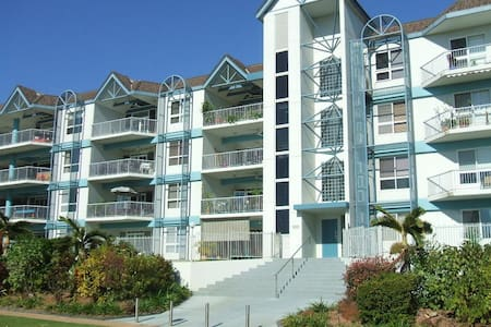 Villa DelaMer Apartments by the Sea - Rapid Creek